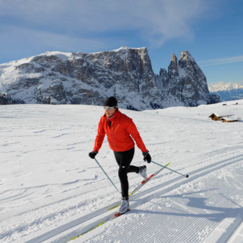 Cross-country skiing with wonderful scenery - the Schlern in the background