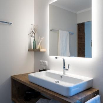bagno arredato con stile