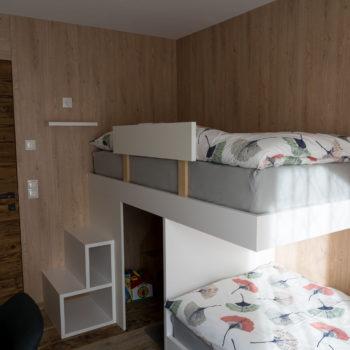 Camera per bambini con angolo giochi