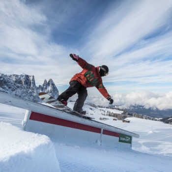 Snowboarden im Snowpark der Seiser Alm